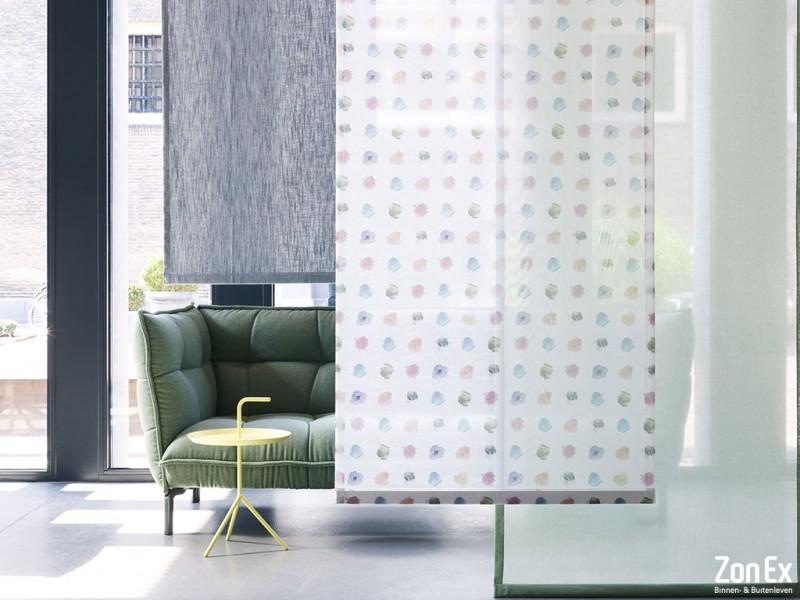 Maak grote ramen bijzonder met paneelgordijnen creëer zelf!