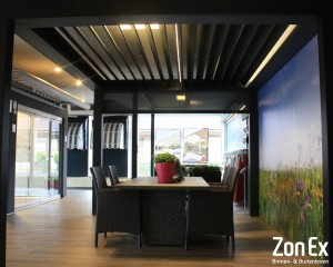 Lamellen overkapping showroom Enschede ZonEx